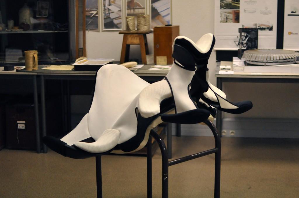 Concept selle équithérapie: Premier prix challenge 2011 / Récompensé à la Biennale du Design 2013